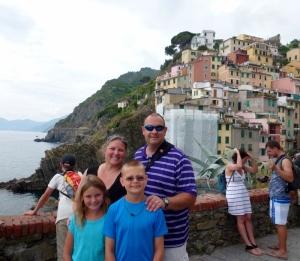 Cinque Terre - Riomaggiore Italy WagonersAbroad (800x697)